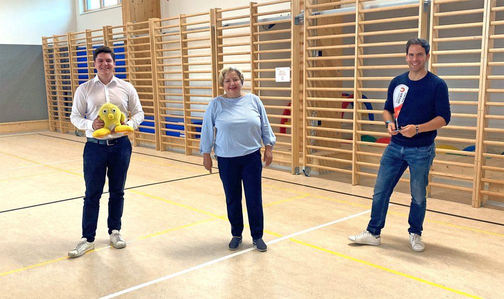 Foto im Turnsaal mit 3 Personen: Kettenhumer, Ofner, Bauer