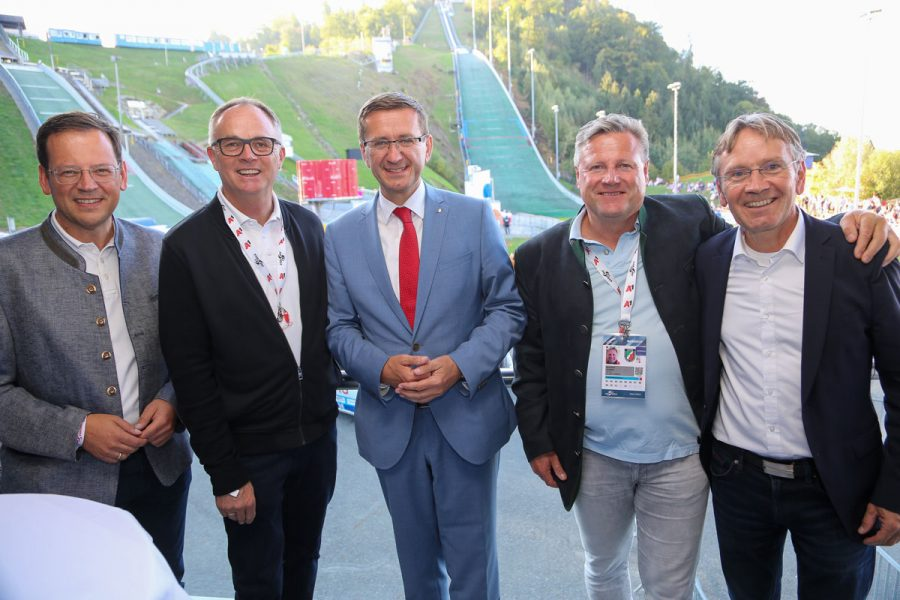 Prominenter Besuch bei FIS Sommer Grand Prix