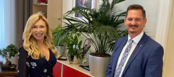Sportunion Wien Präsidentin Dagmar Schmidt im Gespräch mit Bezirksvorsteher Marcus Franz