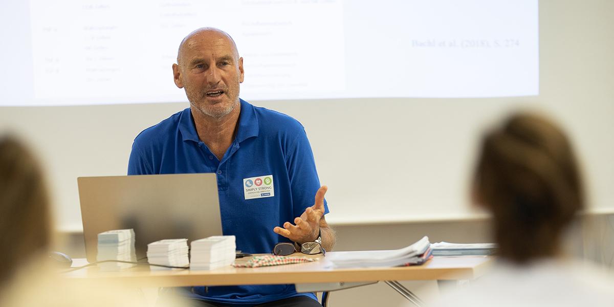 Werner Schwarz trägt vor