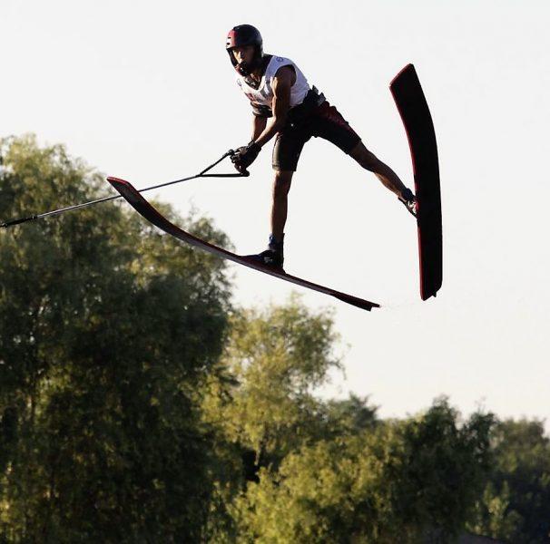 Luca Rauchenwald beim Sprung