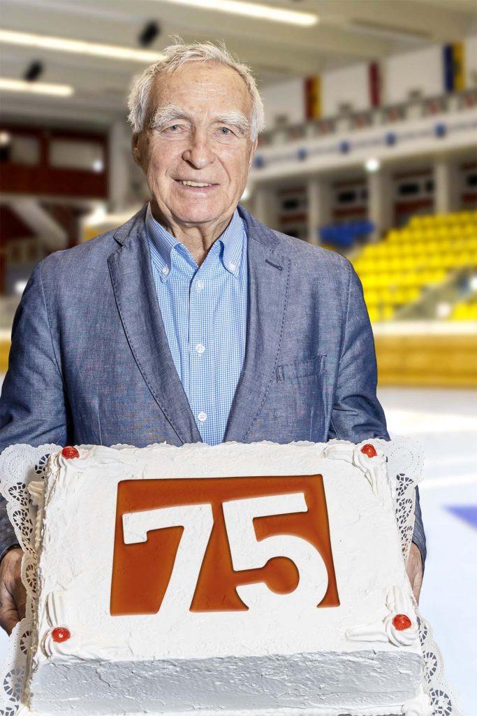 Gunnar Prokop mit 75-Jahre SPORTUNION Torte