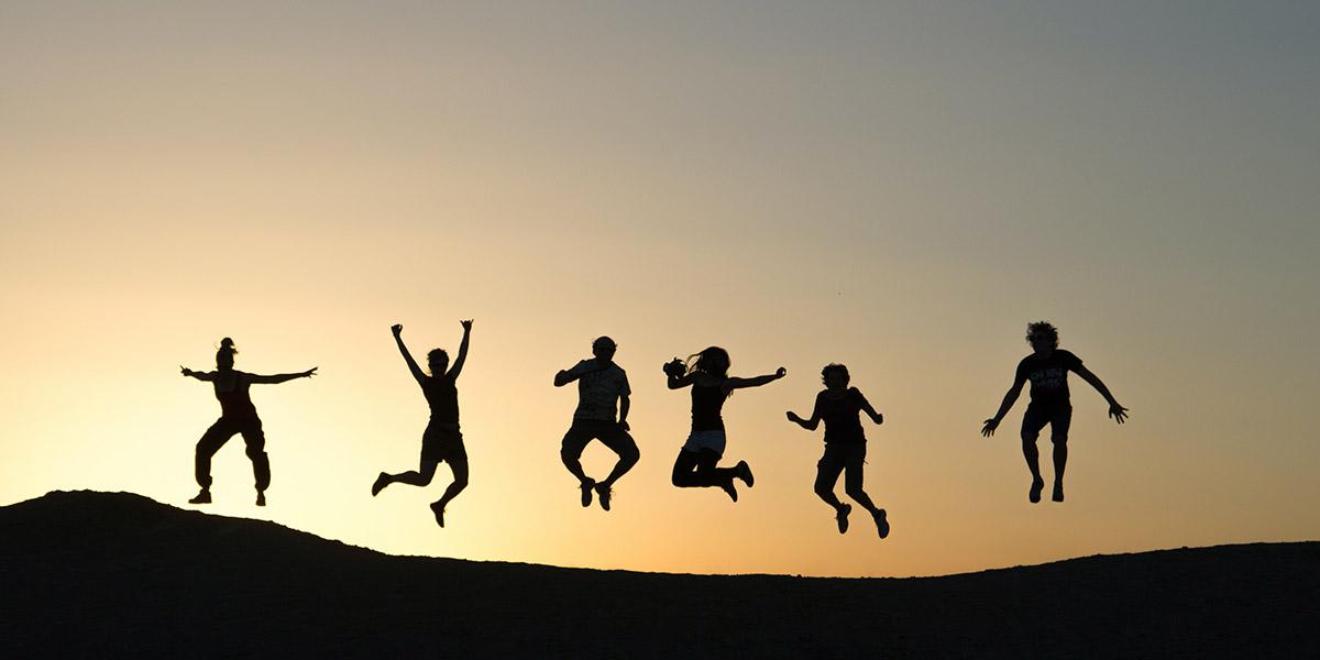 Springende Personen